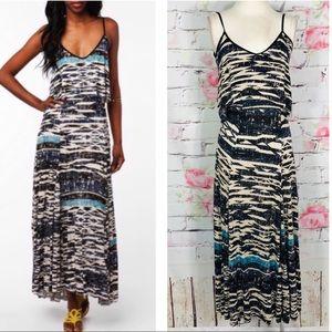 Ecote flounce print longer in back maxi dress